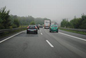 auto-op-weg